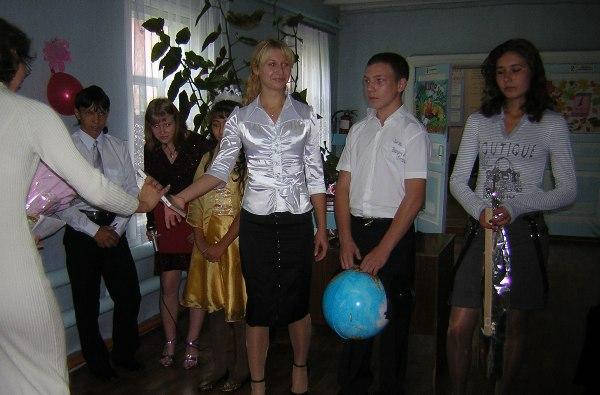 """5 октября в МБОУ """"Троицкая СОШ""""."""