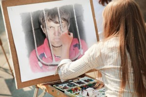 Девушка рисует Дениса
