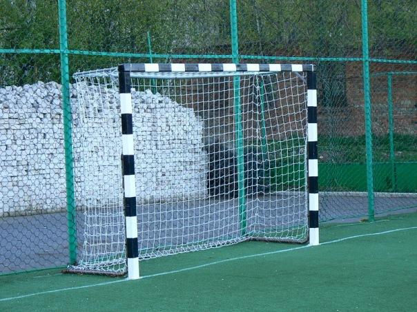 Футбольные ворота из дерева