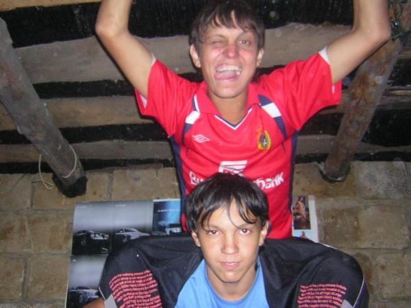 Внутри блат-хаты с братом Данилой.
