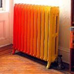 Цветной радиатор отопления.