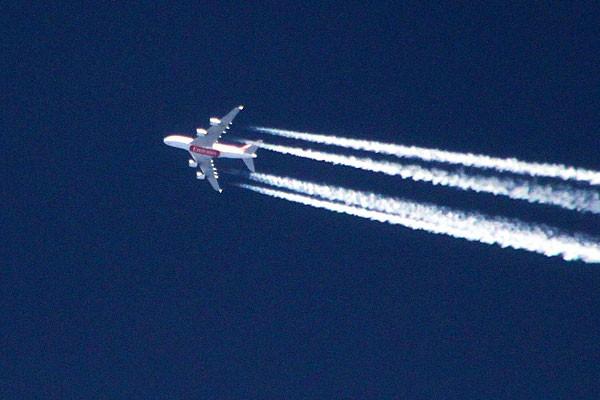 Airbus A380-861, летящий из Дубая в Нью-Йорк.