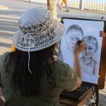 Девушка, рисует, улица, дорога, Анапа.